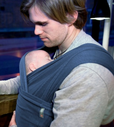 close carrier, babywearing, baby sling, baby carrier